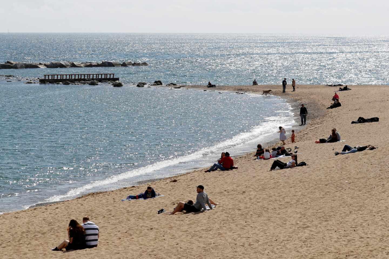 playas-de-barcelona-durante-el-estado-de-alarma-efejpeg