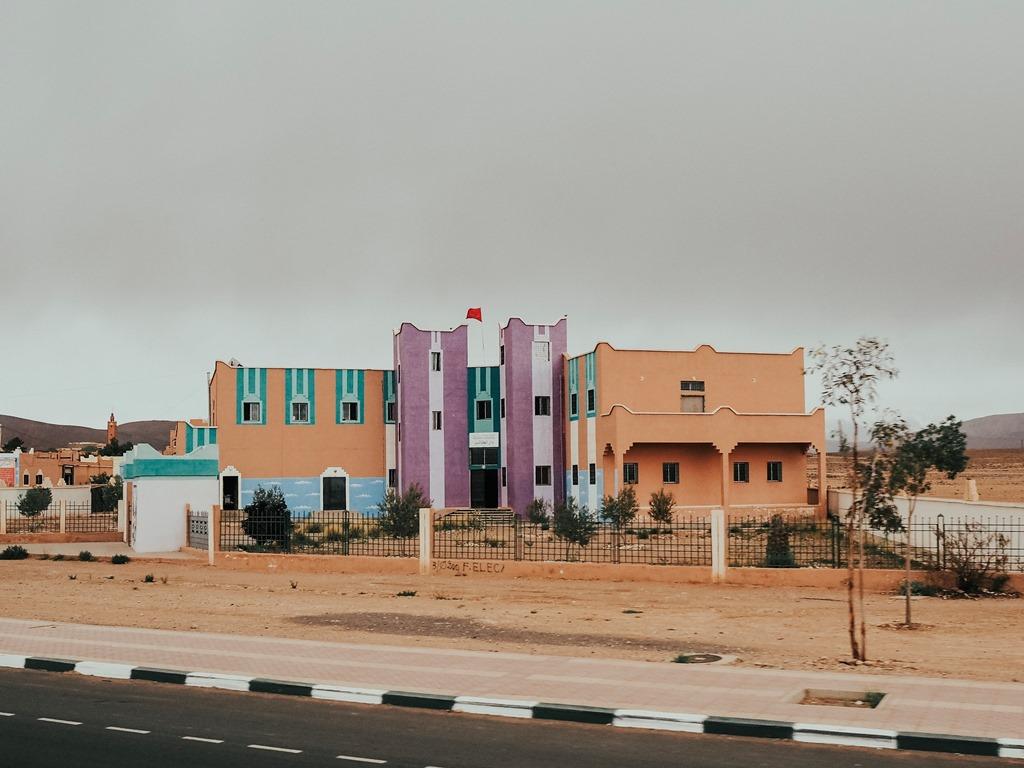 e2cb3f1d3463 Školy sú farebne pomaľované