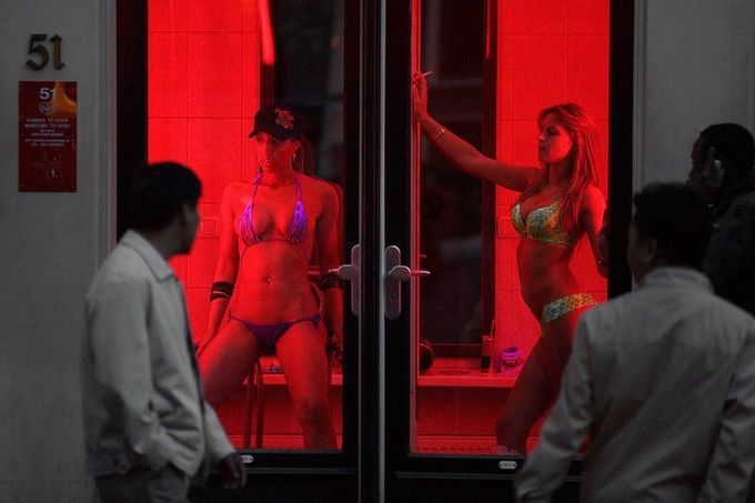What-is-window-prostitution-in-red-light-area-in-Amsterdam-Netherlandsjpg