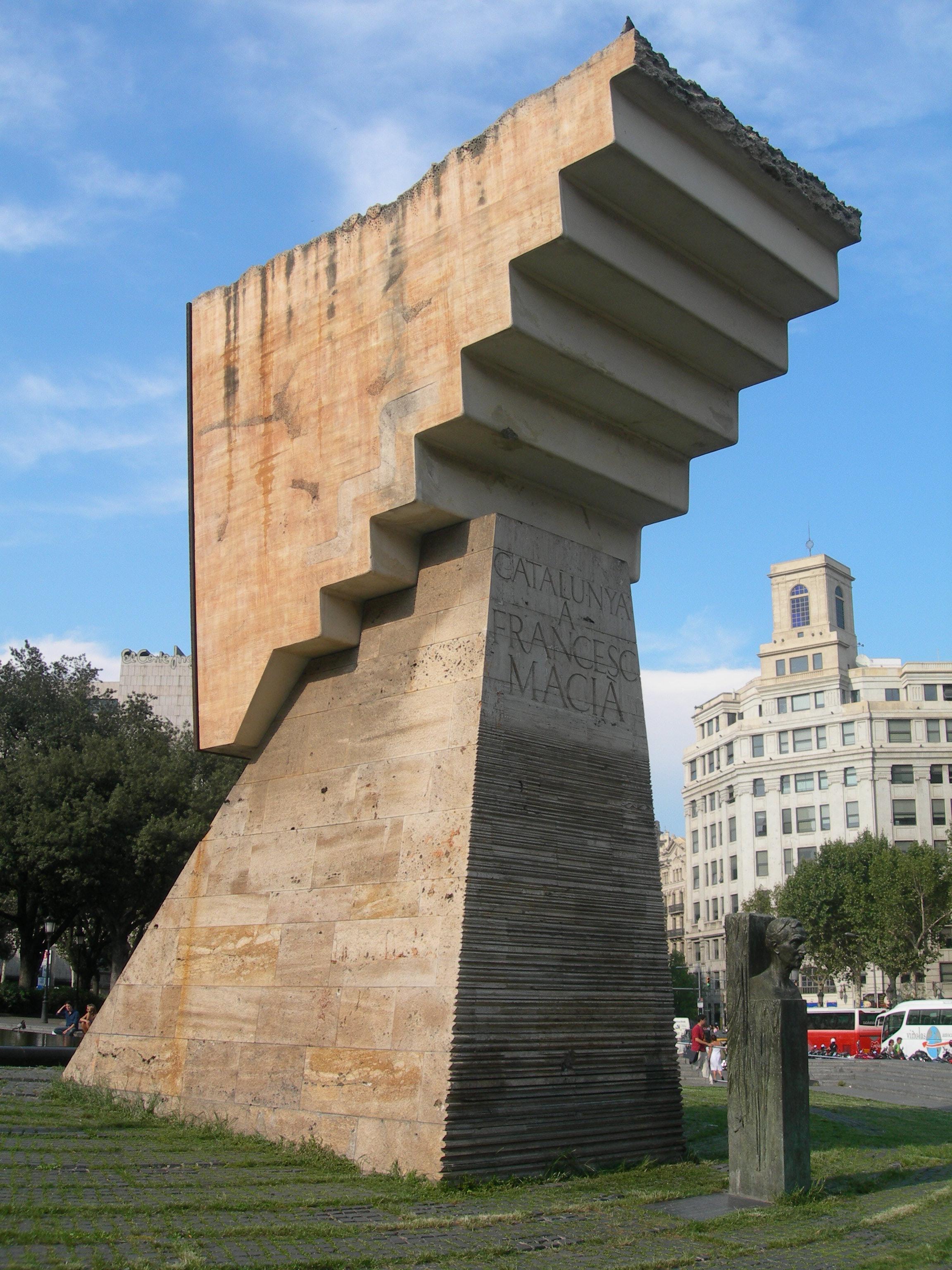 Monument_Macijpg