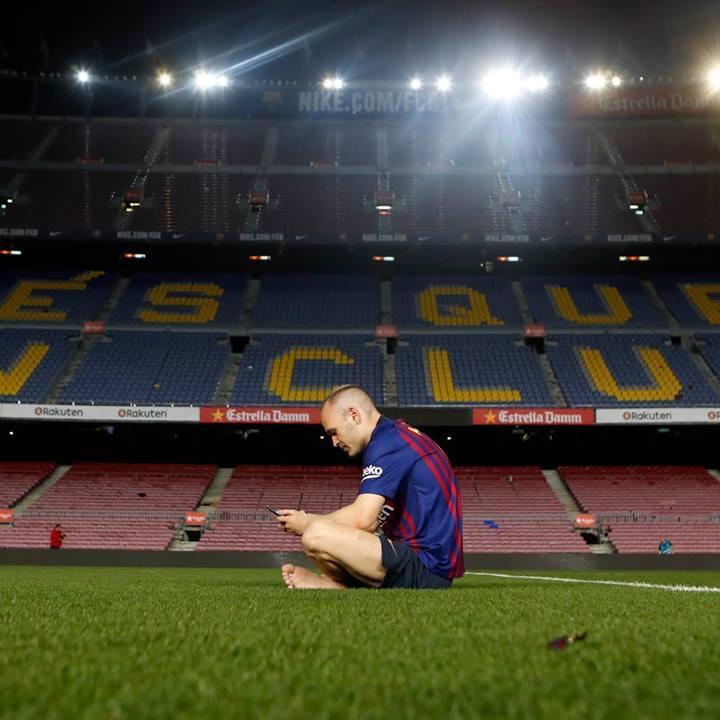 Andrs-Iniesta-takes-his-final-steps-on-the-Camp-Nou-pitch--The-last-stepsjpg