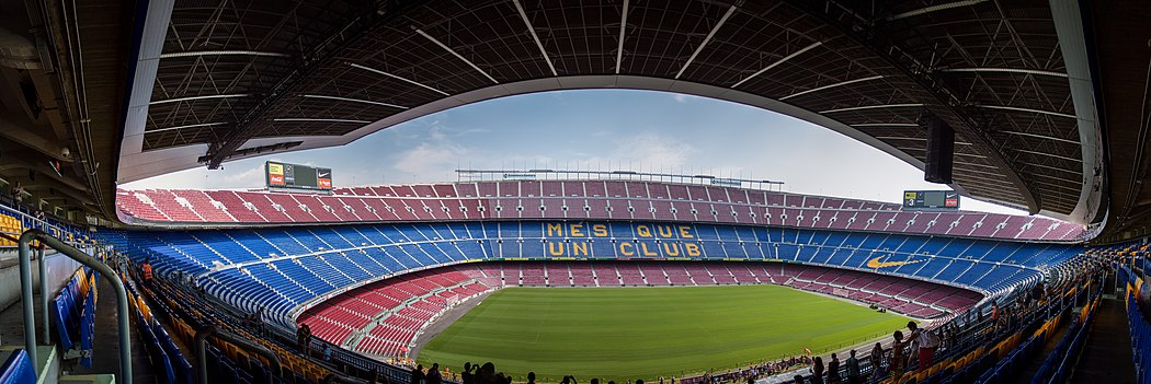 1050px-Camp_Nou_Panoramic_Interior_Viewjpg