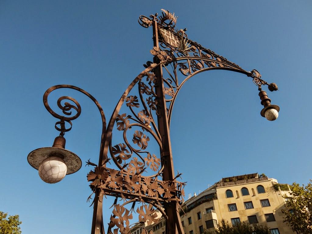 Gaudi lampjpg