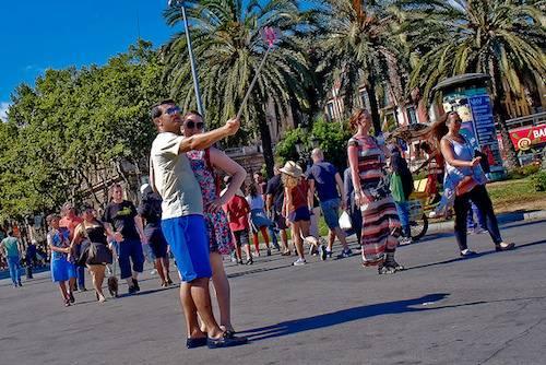 Selfie-Stick-Barcelonajpg
