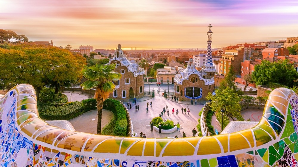 barcelona-park-guell-1533033718-1000X561jpg