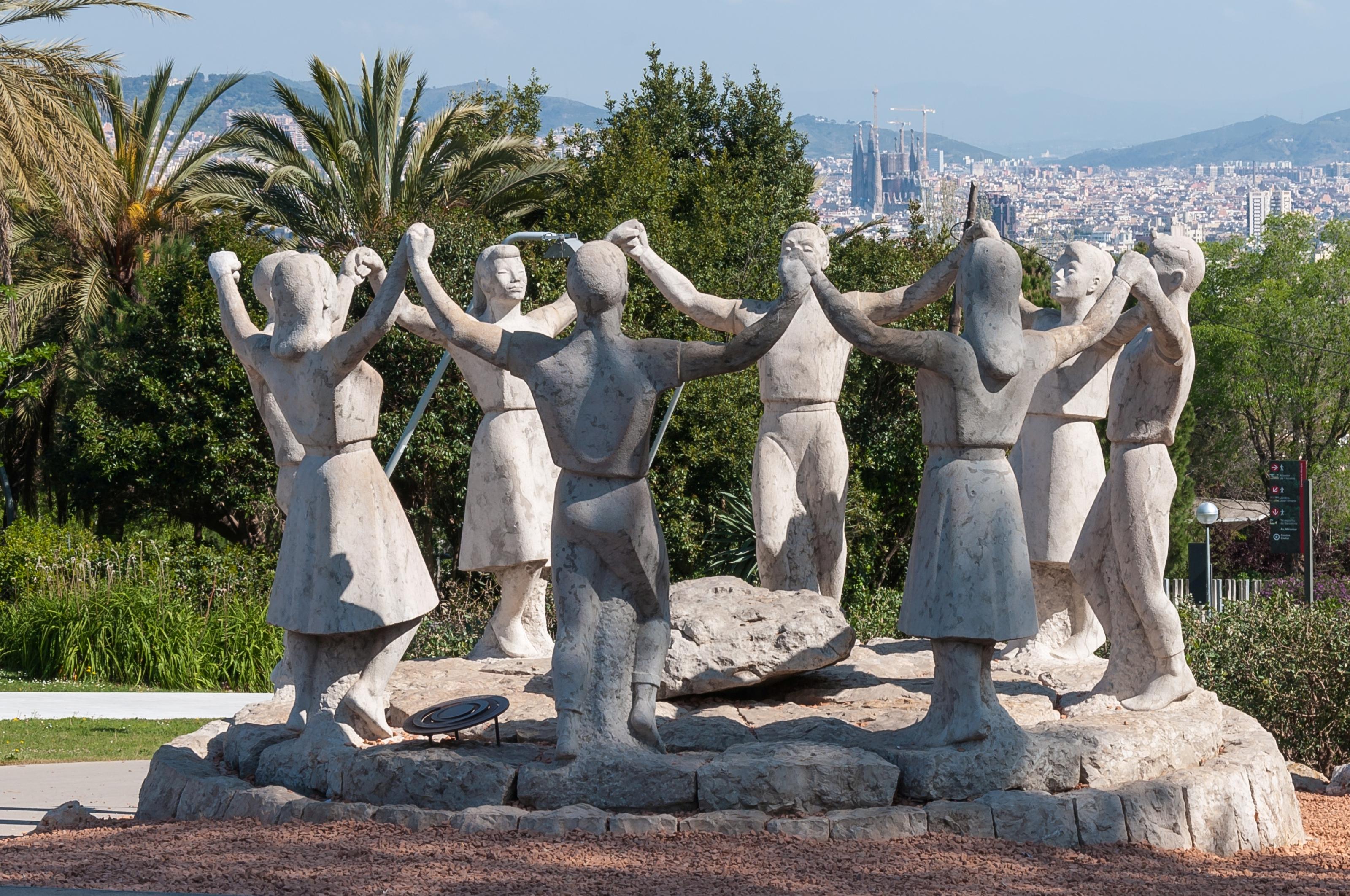 Barcelona_Montjuc_monument_Sardanajpg