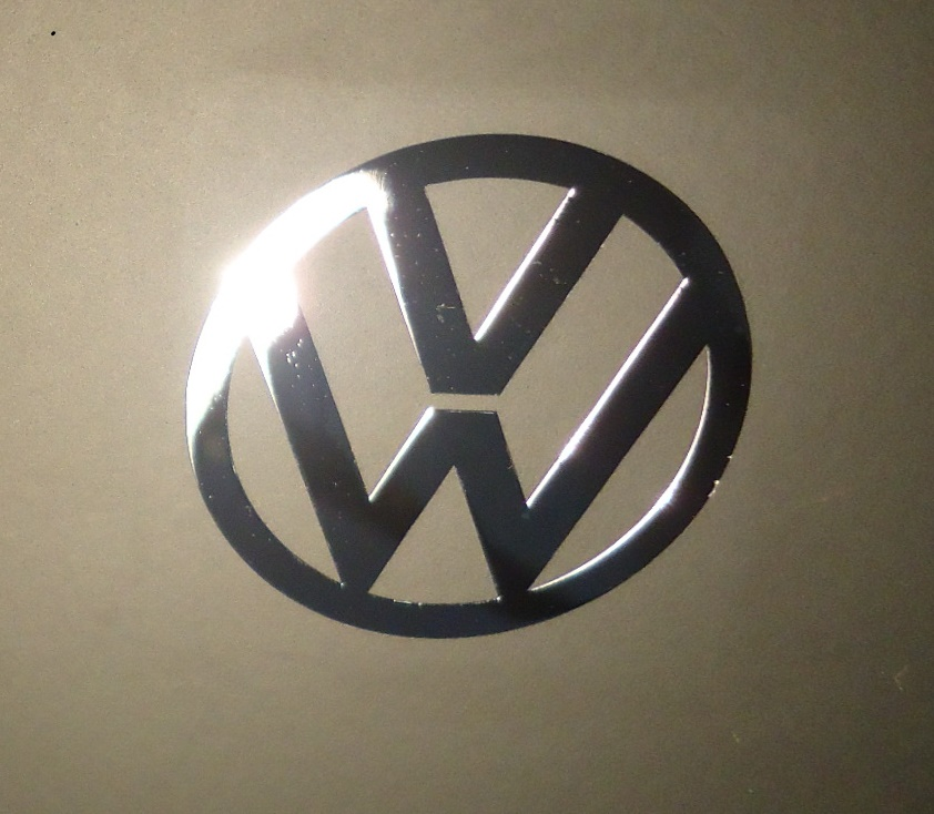 VW LOGO nalepka Metal Edition 60 mm a 30 mm